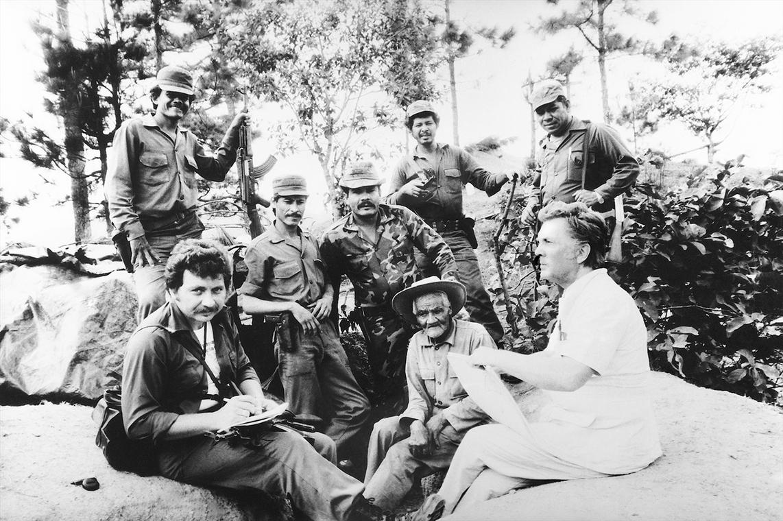 И.С. Глазунов с солдатами никарагуанской армии