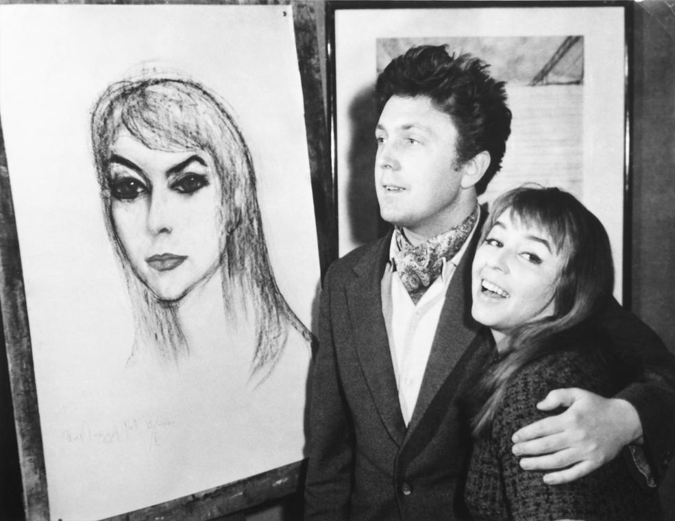 Илья Глазунов и Калина Яндрусик у написанного портрета