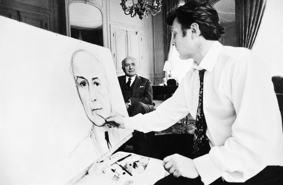 Илья Глазунов пишет портрет члена Кабинета министров Франции