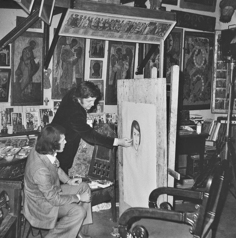 Илья Глазунов пишет портрет итальянского певца Сальваторе Адамо