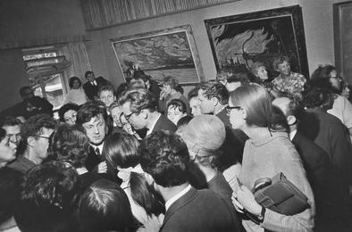 На выставке картин Ильи Глазунова