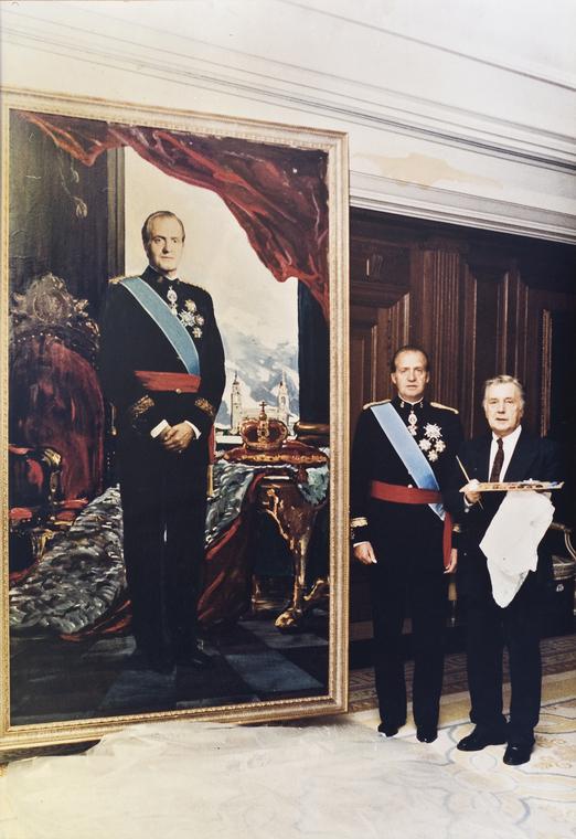 Король Испании Хуан Карлос I и Илья Глазунов у портрета короля