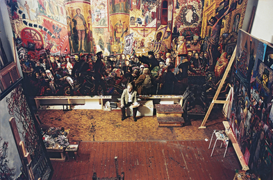 Илья Глазунов в мастерской за работой над картиной «Разгром храма в Пасхальную ночь»