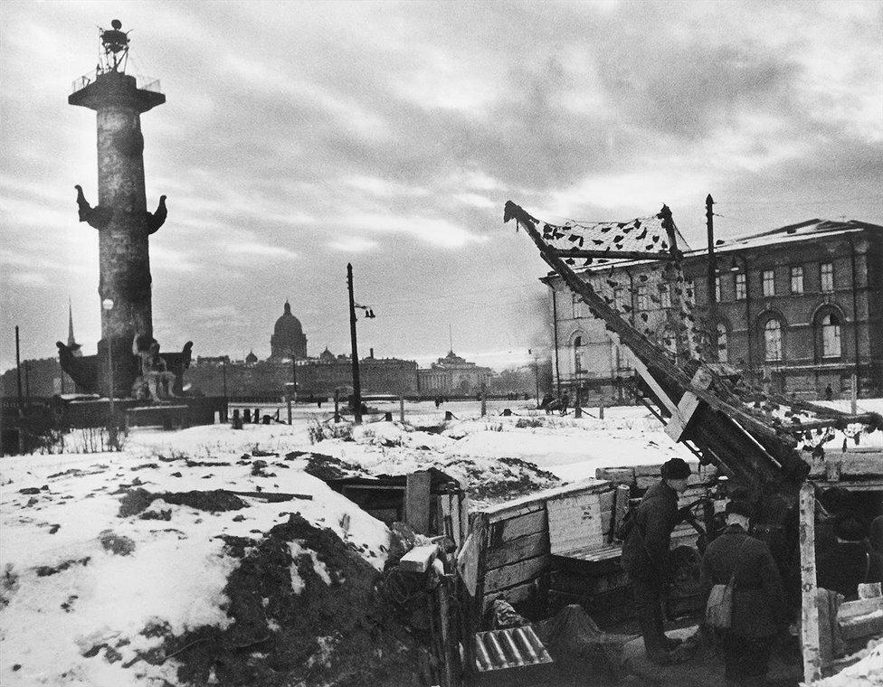 В блокадном Ленинграде. Зима