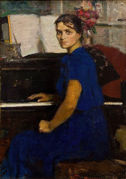 Портрет пианистки Марины Дранишниковой у рояля